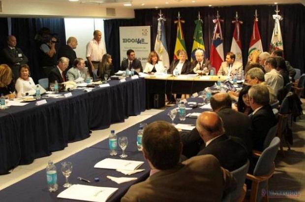 Plenarios de UNNGA y Zicosur Universitaria
