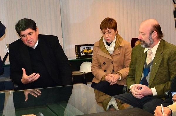 Los decanos Sánchez y Parmetler destacaron la decisión