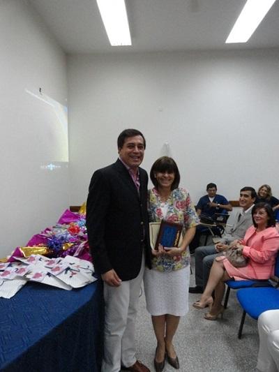 El ministro Décima asistió a brindar su homenaje