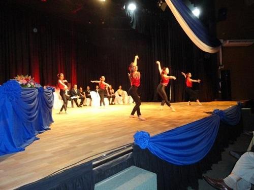 El Taller de Danza Clásica se presentó en el acto de la FRN
