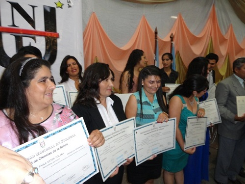 Los flamantes graduados y sus títulos
